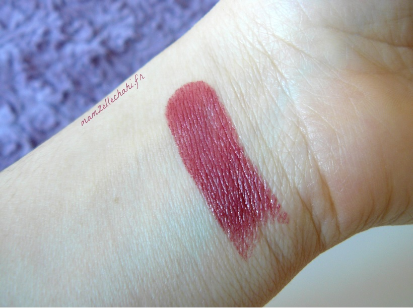 ral-revlon-make-up-mamzelle-chahi-swatch